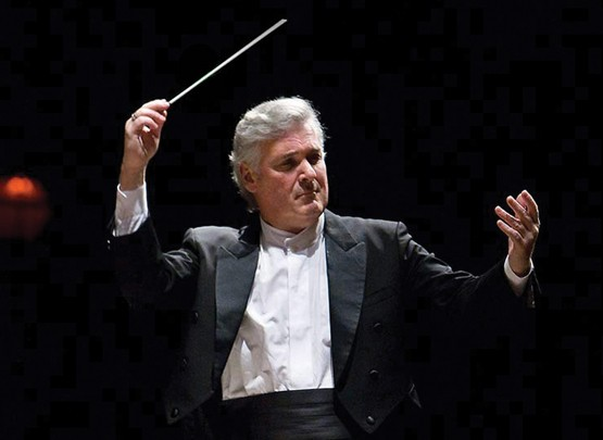 Zukerman-Pinchas-conducting.jpg