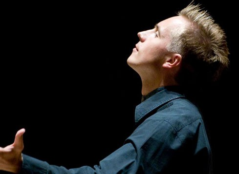 Vasily Petrenko conducts Strauss