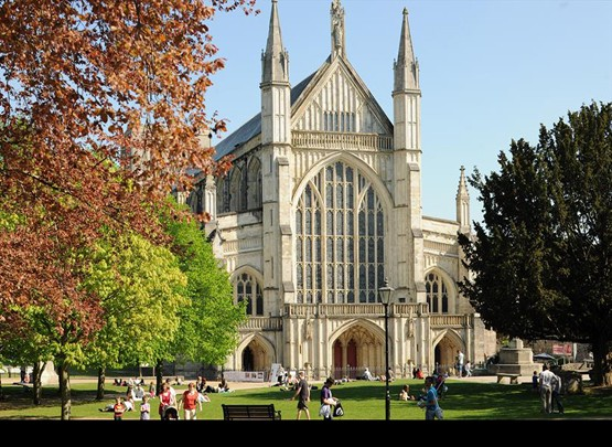 6_july_winchester_cathedral.jpg
